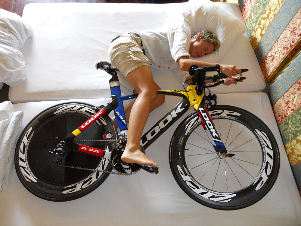 Cyclist-Sleeping-with-Bike