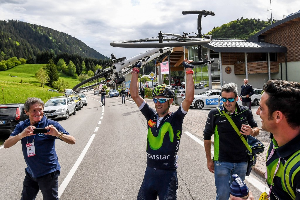 Spanish rider Alejandro Valverde of Movistar team, celebrates after crossing the finish line to win the 16th stage of the Giro d'Italia cycling race over 132km from Bressanone to Andalo, Italy, 24 May 2016. ANSA/ALESSANDRO DI MEO
