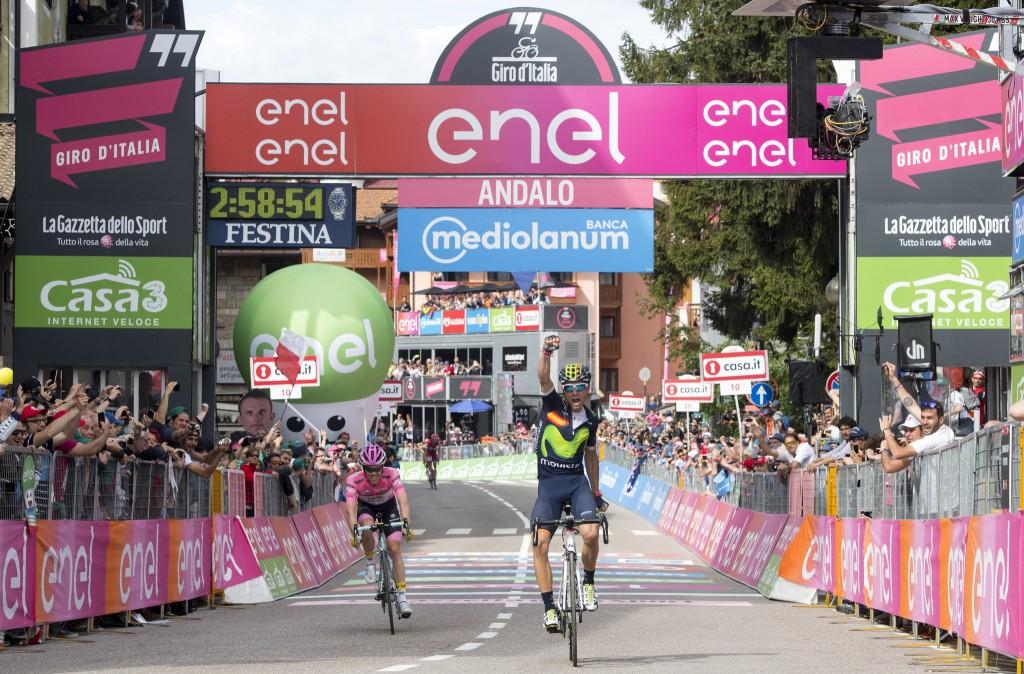 Spanish rider Alejandro Valverde of Movistar Team (R) and Dutch rider Steven Kruijswijk of Team Lotto Jumbo, on the arrival of the 16th Stage of Giro d'Italia from Bressanone to Andalo, 24 May 2016. ANSA/CLAUDIO PERI