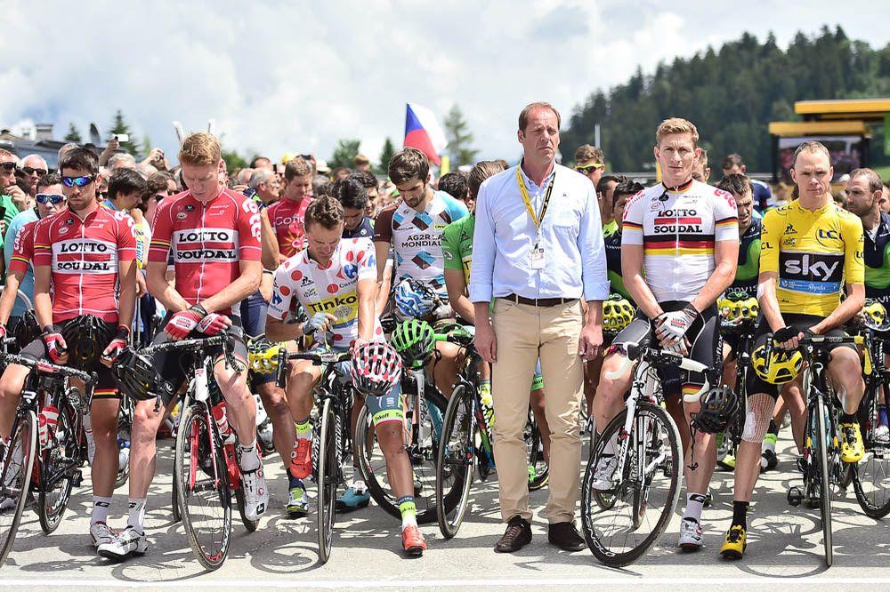 Tour de France 2016 - 23/07/2016 - Etape 20 - Megève / Morzine (146,5 km) - Au départ, minute de silence en hommage aux victimes de Munich
